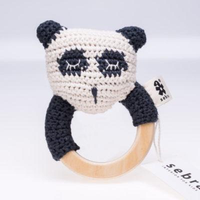 Gehäkelte Panda-Rassel von sebra