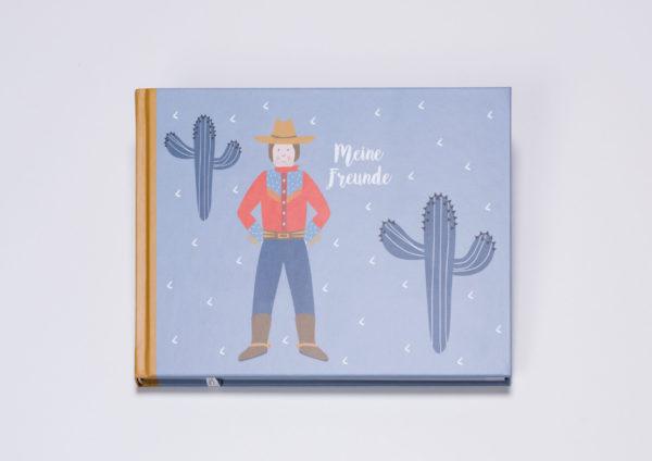 Freundebuch von ava&yves für Kinder von 3 bis 6 Jahren. Dinos, Cowboys und Piraten wechseln sich auf den 96 Seiten des Hardcover-Buches im A5 Querformat thematisch ab.