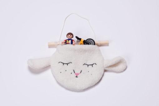 Wandhänger Lämmchen von lisqa mit Playmobil-Figuren
