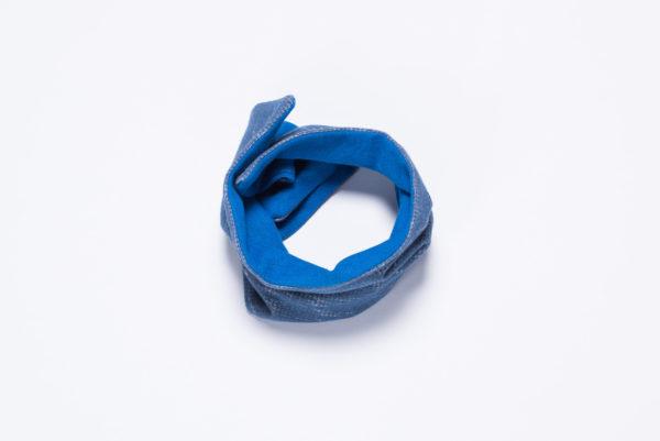 Wende-Loop von Ellas Oma Näht in blau.