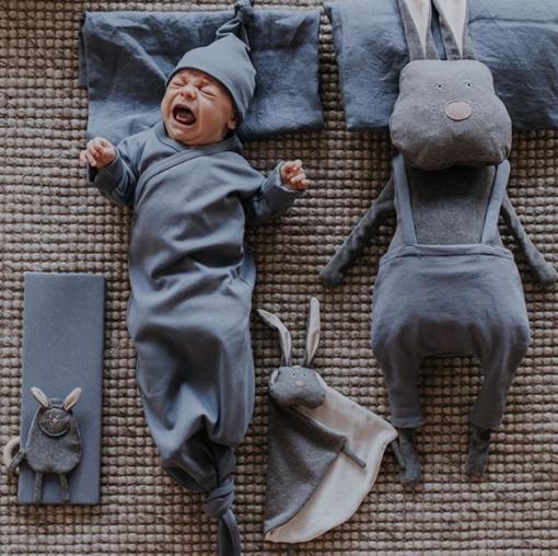 Knoten-Schlafanzug