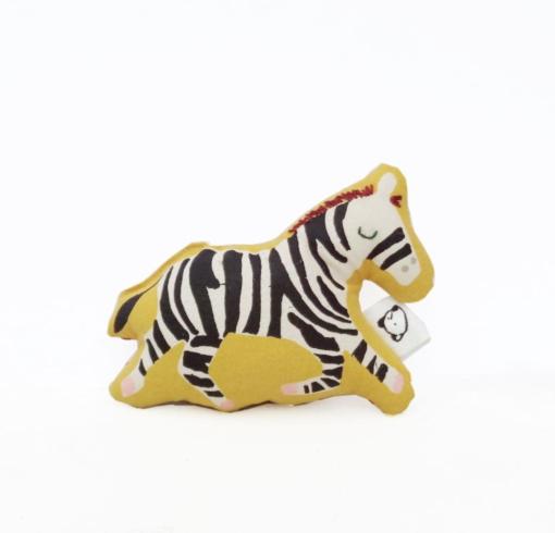 Handbedruckte Zebra-Rassel von normadot