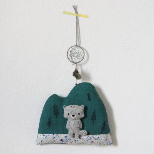 Wandmobile Wölfchen mit Traumfänger Regenpanda